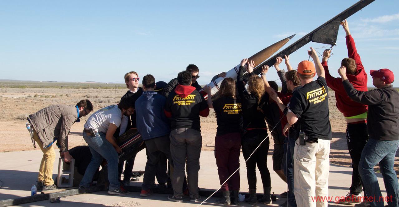 1100名大学生集聚美国新墨西哥州沙漠发射火箭密歇根大学团队赢得太空港美国杯总冠军 火箭发射 第3张-泥人传说